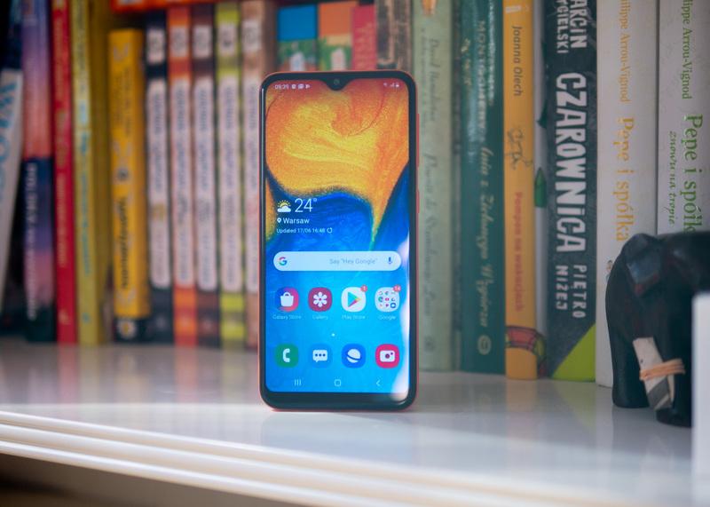 Samsung Galaxy A20e - rozpakowanie pudełka