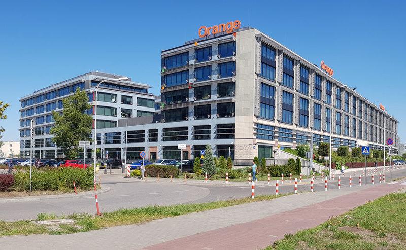 Orange Polska przedłuża najem Miasteczka Orange