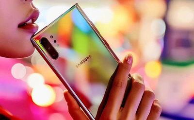 Porównanie zdjęć z Samsung Galaxy Note10+ i Huawei P30 Pro