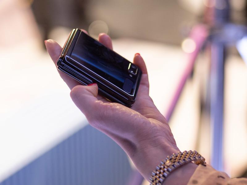 Samsung Galaxy Z Flip - kompaktowy smartfon z rozkładanym ekranem