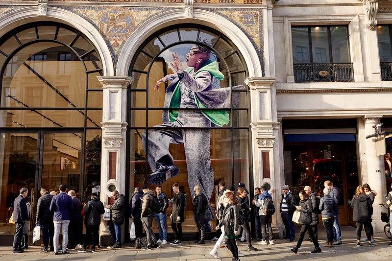 Apple zamyka swoje sklepy