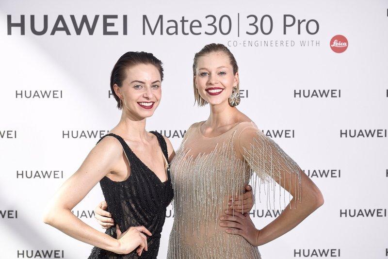 Huawei obniża ceny i sprzedaje w zestawach
