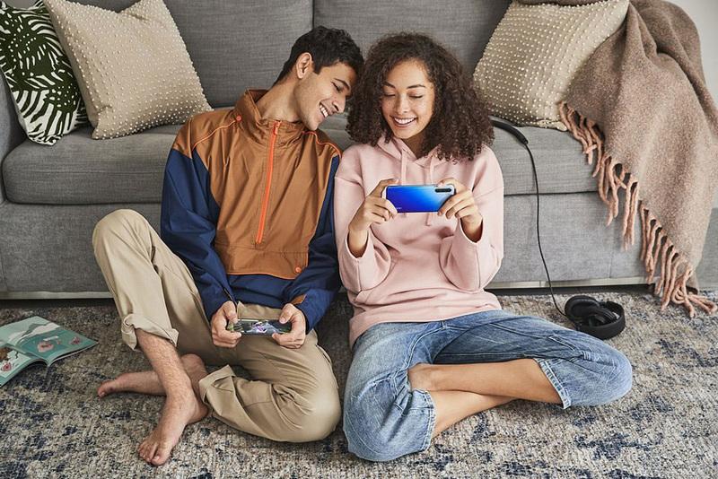 Smartfony Oppo w Plusie z bonami Empiku