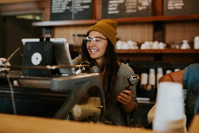 Centra handlowe: nadal liczba wejść do sklepów jest o kilkadziesiąt procent niższa niż w tym samym okresie 2019 roku