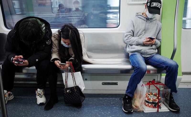 Jak zmieniły się telekomunikacyjne zachowania Polaków w obliczu epidemii?