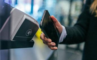 Badanie Mastercard: Polacy wybierają płatności zbliżeniowe