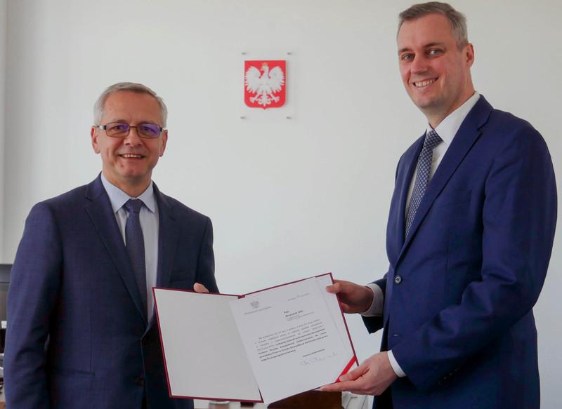 Krzysztof Dyl pokieruje teraz UKE