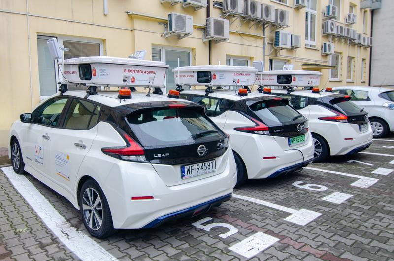 Dwa auta tak skuteczne, jak wszystkie piesze patrole w Warszawie