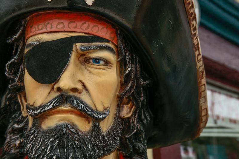 Kosmiczna kara za piractwo filmów - 25-klatek musi zapłacić 48 mln zł