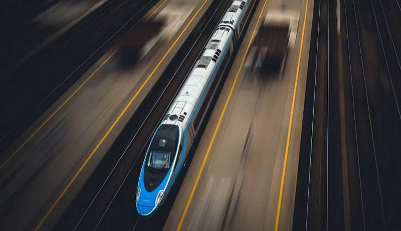Od nowego rozkładu jazdy Pendolino pojedzie z prędkością 200 km/h na północnym odcinku magistrali E65. Pozwoli to na skrócenie czasu podróży między Warszawą a Gdańskiem o 15 minut - do dwóch i pół godziny.