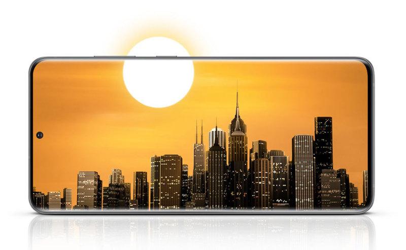 Orange podał, że smartfony 5G na razie stanowią tylko kilka procent wszystkich sprzedawanych urządzeń w tej sieci.