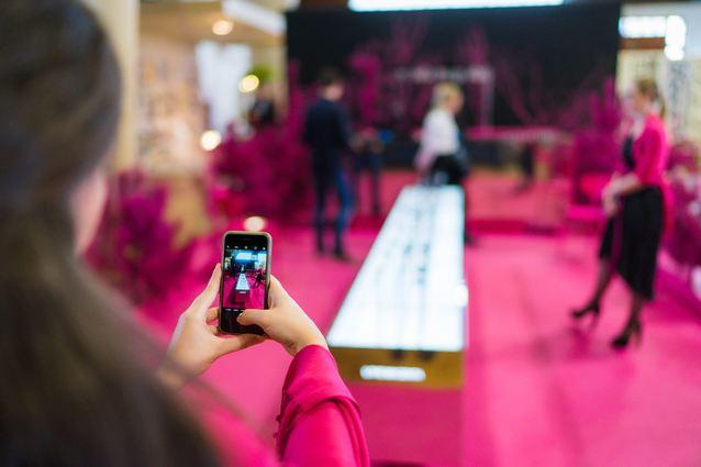 Black Friday i Cyber Monday w T-Mobile - lista tańszych smartfonów