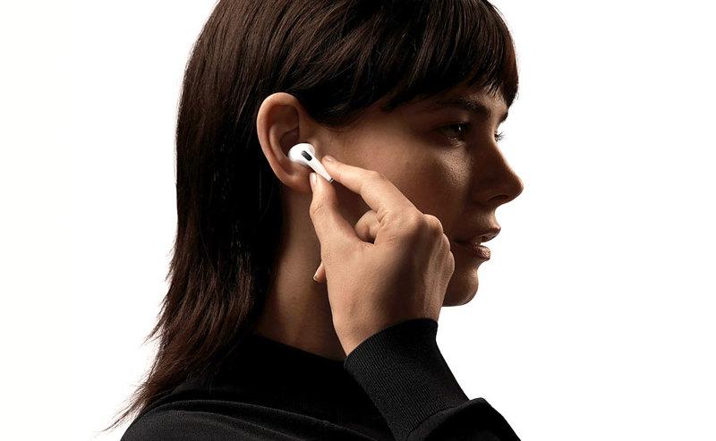 iPhone 12 mini ze słuchawkami AirPods Pro w Play (ceny)
