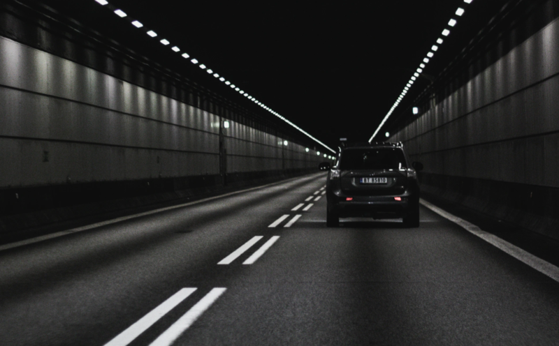 Najdłuższy tunel w Polsce na razie bez zasięgu komórkowego