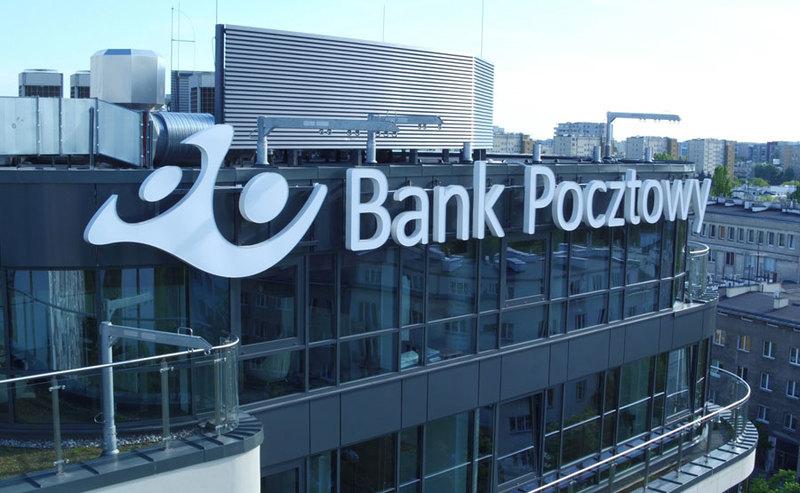 Bank Pocztowy wywalił z oferty Visę