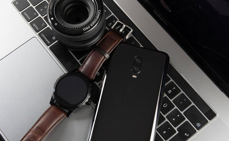 Kup smartfon i smartwatch i odbierz 50% zniżki na konfigurację i zabezpieczenie ekranów