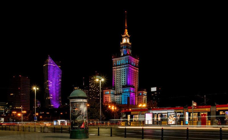 Jak wygląda stan wdrożenia 5G w Warszawie? – raport StationaryTest RFBENCHMARK