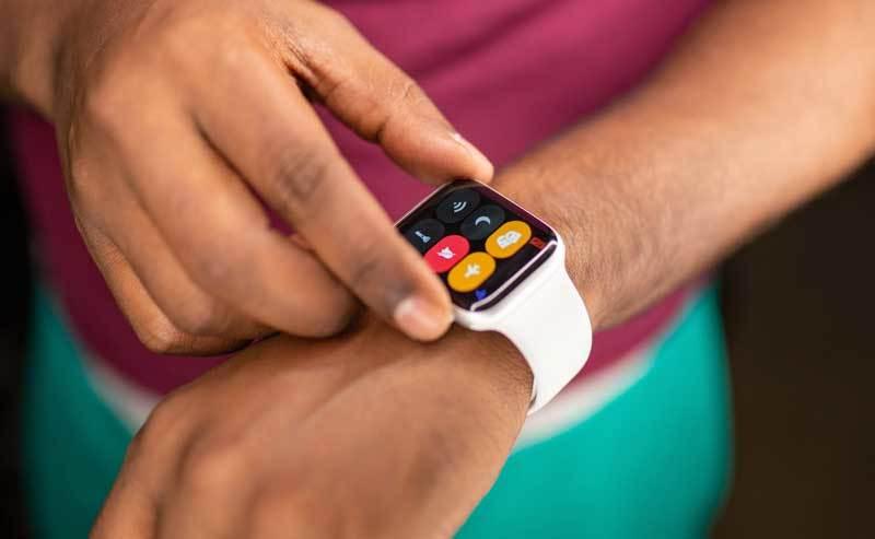 100 mln osób korzysta z zegarków Apple
