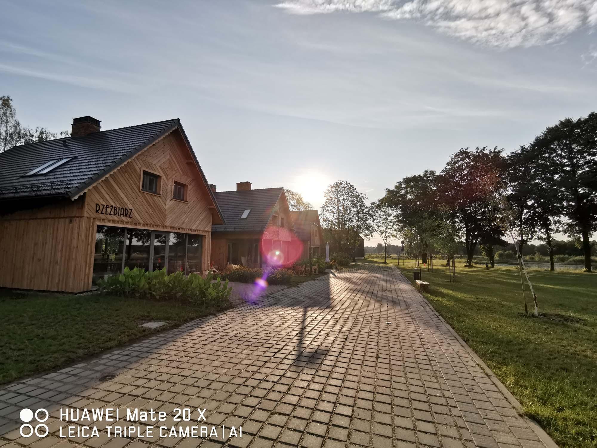 Zdjęcia z Huawei Mate 20 X 5G