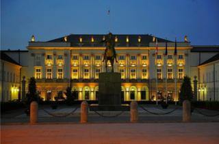 Na zdjęciu przedstawiony jest Pałac Prezydencki, ponieważ naszym klientem była Kancelaria Prezydenta RP.