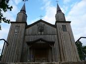 Jedne z najważniejszych zabytków architektonicznych gminy Jeleniewo - kościół parafialny  Jeleniewie.