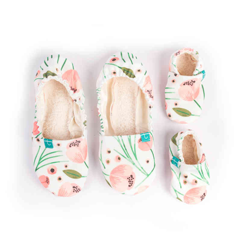 TITOT MOM AND BABY SLIPPERS PEONY SET (MOM SIZE 6 313c31f6d389