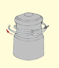 Zakladanie żyłki na szpulę kołowrotka