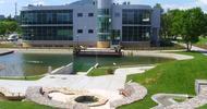 Widok na budynek Centrum Wodnego od strony Ogrodu Dydaktycznego