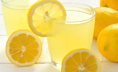 10 MORE HEALTH BENEFITS OF DRINKING WARM LEMON WATER