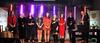 Zdjęcie osób stojących na scenie GOK Wisniew